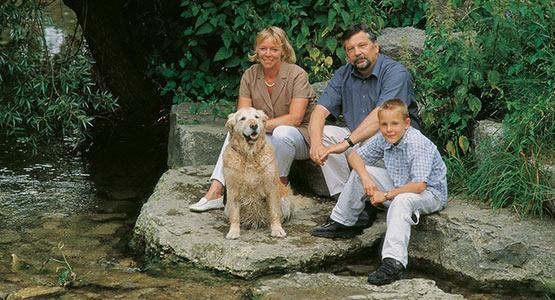 Familie Olle mit Golden Retriever Loui