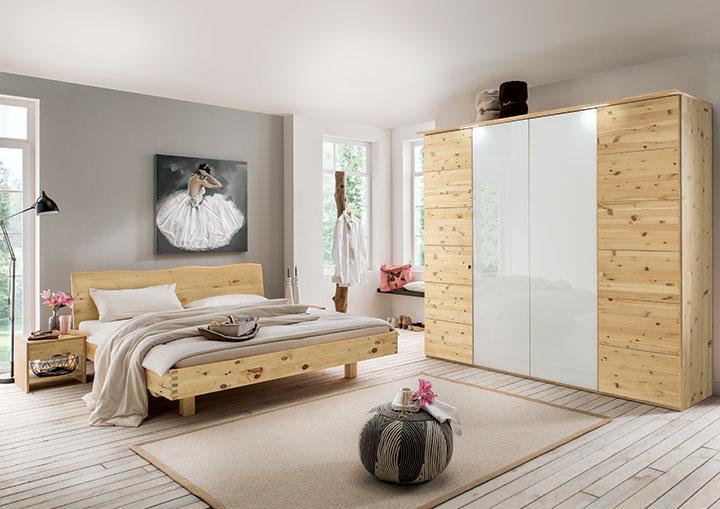 Zirben-Schlafzimmer bei allnatura