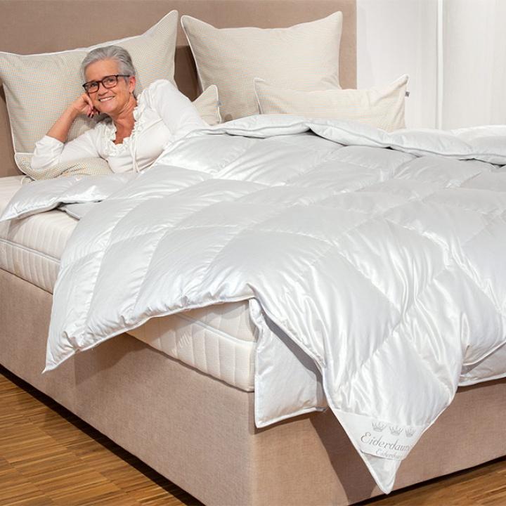 eiderdaundendecken aus 100 reinen eiderdaunen. Black Bedroom Furniture Sets. Home Design Ideas